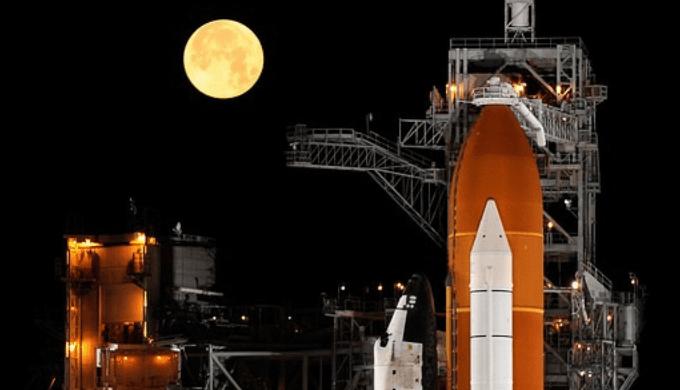 月とロケット