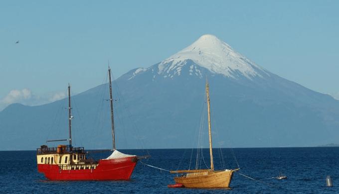 チリのオソルノ山の画像