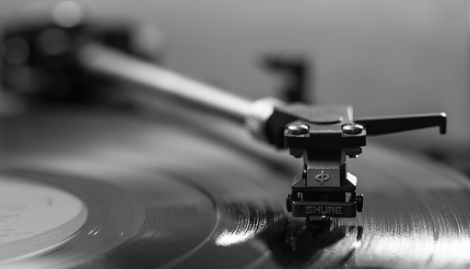 レコードとレコードプレイヤー