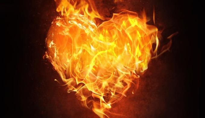 ハート型に燃える炎