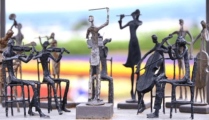 オーケストラを再現した人形