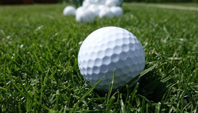 ゴルフボールの表面のボコボコ